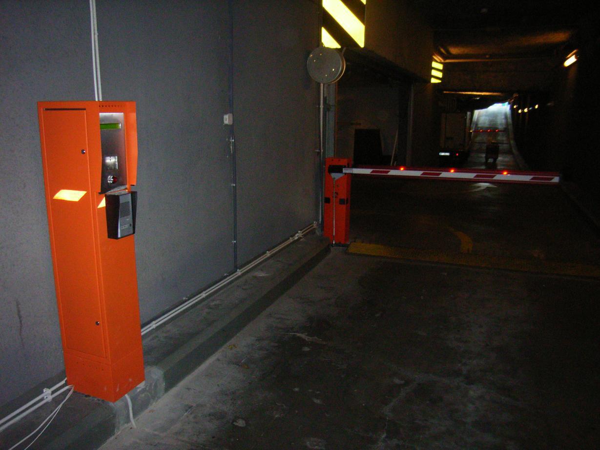 system kontroli dostępu w galeriach handlowych