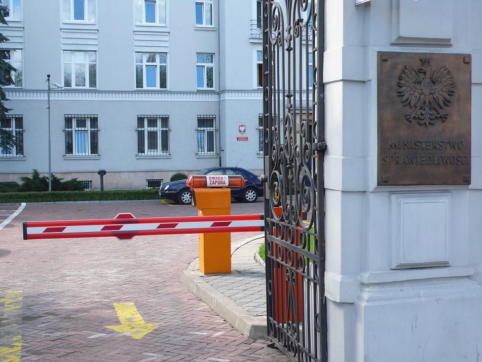 system parkingowy w instytucjach rządowych